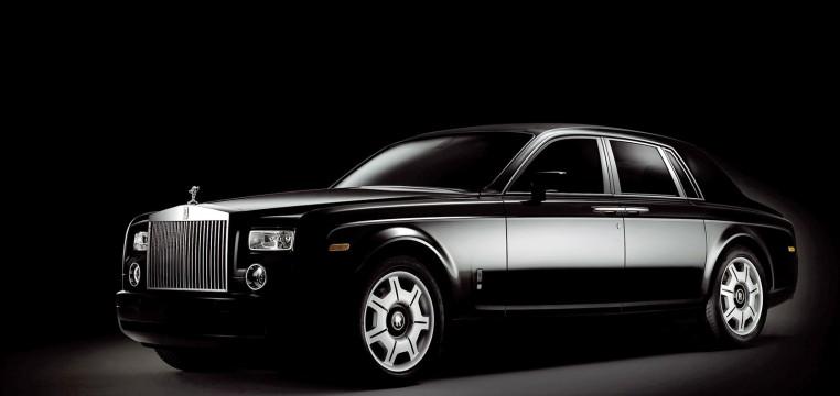 dark-car-hd